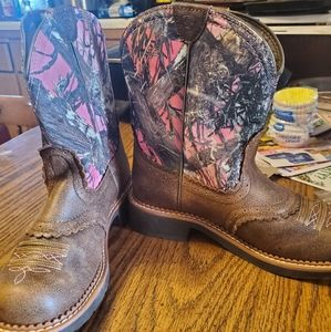 Ariat womens pink camo boots